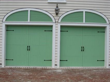 Double Garage Door with Square Handles and Aspen Hinge Fronts