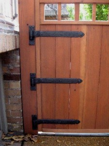 Strap Hinges supporting a gate