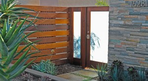 Contemporary Gate in Huntington Beach built by Mike Bless of Lido Gates. Beautiful design and color surrounding. Gate latch is the Alta Modern Stainless Steel Gate Latch by 360 Yardware