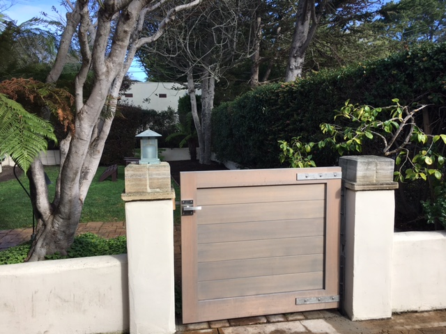 California Contemporary Gate with Alta Stainless Steel Gate Latch Hardware