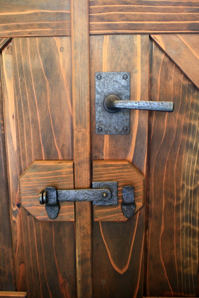 Double Gate secured by flip latch 50-420