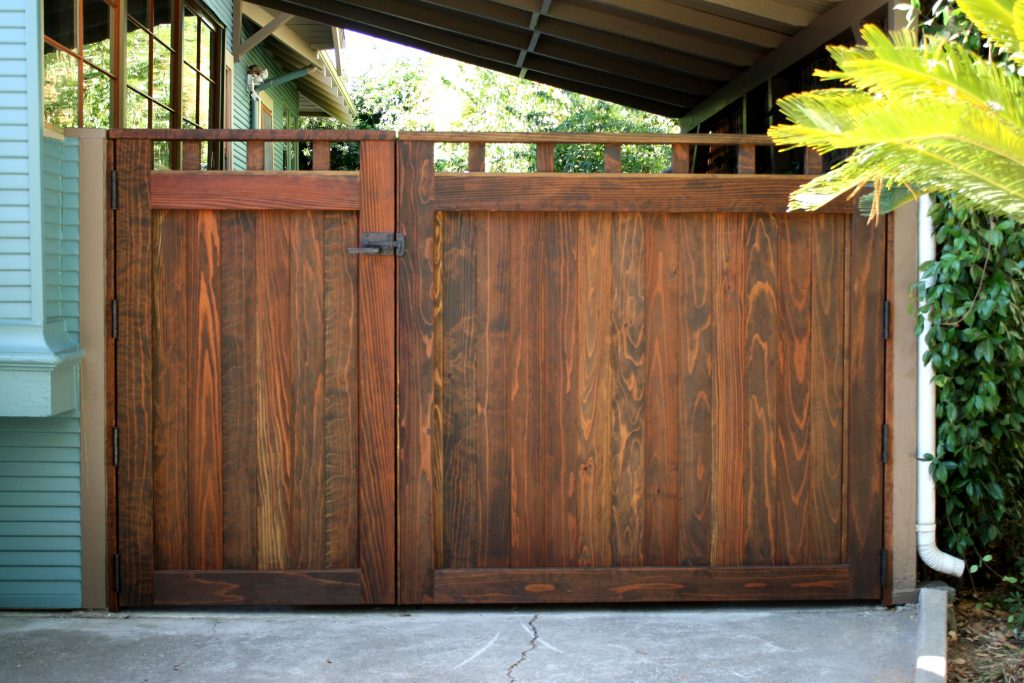 Double Wood Driveway Courtyard Gate in Craftsman Style